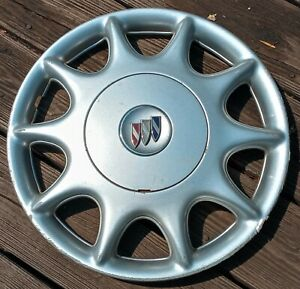 Buick Century hubcap 1997- 2003 fits 15 inch wheels 1148 05