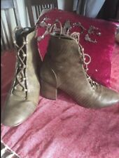 green ankle boots Size 8 Small