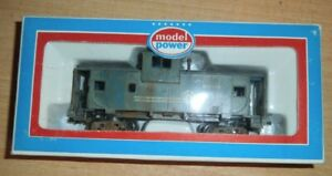 """HO Scale """"Conrail"""" 9121 Freight Train Caboose / Model Power Brand weathered"""