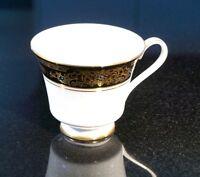 Beautiful Royal Doulton Albany H5041 Tea Cup