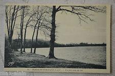"CPA "" MARTIGNE- FERCHAUD - Un joli coin du lac"