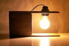 """Lampada """"JIMI"""" in legno riciclato, ideale per scrivanie tavoli e comodini."""