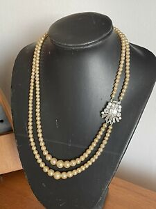 Vintage 1950s 1960s Costume Pearl Bead Necklace With Sparkly Side Clasp