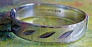 Fabulous vintage solid sterling silver hinged bangle bracelet .1973. 29.3g