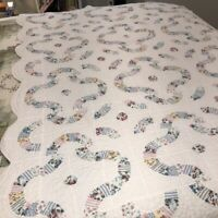 """Vintage Arch Patchwork Quilt Pastel Florals on White 59"""" by 80"""" Twin Bed Cottage"""