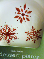 MARTHA STEWART WINTER JUBILEE HOLIDAYS RED SNOWFLAKES SET 4 DESERT SALAD PLATES