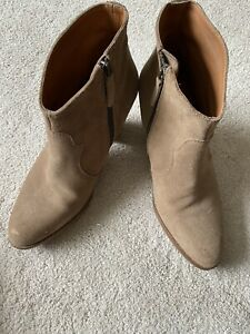 The White Company suede Ankle boots 7/40 Neutral/Sand Colour. Stunning Boots.