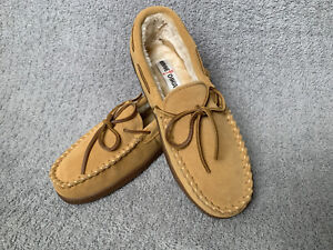 Minnetonka Men's Pile Lined Hardsole Moccasins Tan 3901 10W Wide New With Box