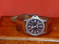Pre-Owned Hamilton Khaki 9445B Military Date Analog Watch