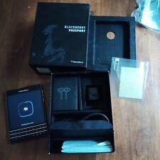 BlackBerry Passport  32GB  Smartphone Like New Box accessories