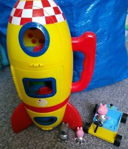 Peppa Pig yellow Rocket with sounds and Figure Bundle