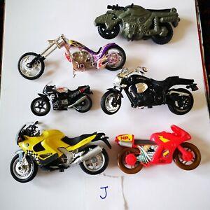6 Motorbike toys