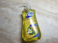Dial Honeysuckle Dew Hydrating Hand Soap Seasonal Collection 7.5 fl oz