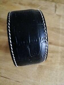 Ladies FLUCO Handmade Luxury Leather Black Crocgrain Cuff Bracelet Wristband
