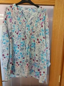 Ladies blouse from Damart Size 22