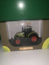 UNIVERSAL HOBBIES TRACTOR CLAAS ARION 640 - GREEN 1:32 - Excellent IN BOX