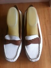Ladies White & Tan HUSH PUPPIES Leather Flats AUS Size 10 W EU 41 Comfort Brown
