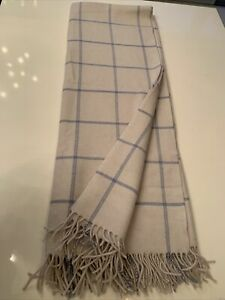 New. Gump's San Francisco Throw. Cashmere/Wool. White And blue