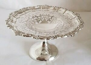 A George V sterling silver Compotier / Tazza. Birmingham 1919.By William Aitken
