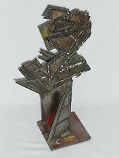 Sculpture en acier de Michel Ducastel sculpteur savoyard Haute Savoie statue