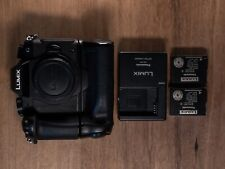 Panasonic Lumix G85 - Body - Excellent Condition - 2 Panasonic Battery and Grip