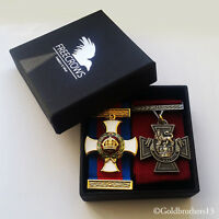 DSO Medal and Victoria Cross Military Decoration British Army War Medal Repro!!