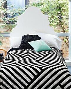 Crate and Barrel - Black & White - Full/Queen Quilt