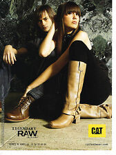 PUBLICITE ADVERTISING 094  2008  RAW LEGENDARY    bottes  chaussures CAT