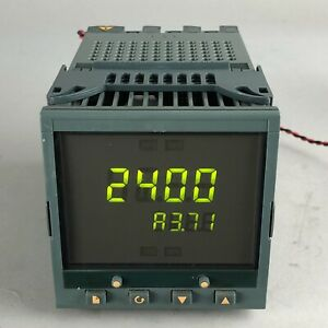 EUROTHERM 2404 Temperature Controller / Programmer - USED -
