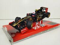 Slot car Scalextric SCX  A10079X3U0 Lotus Renault F1 #10 Vitali Petrov
