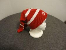 HOCKEY SOCKEY POOK TOQUE -CANADA- MAPLE LEAF- RED AND WHITE- NEAR MINT