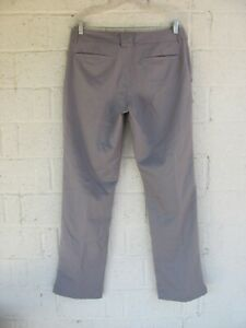 MEN'S UNDER ARMOUR GOLF PANTS 32 X 32 COLOR GRAY PRE OWNED