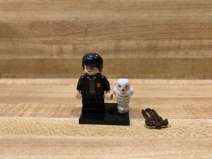 Lego Harry Potter Mini Figure 71022 Harry Potter with Owl 71022 #1