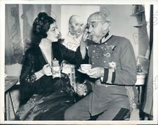 1937 Actors Pauline Frederick Gave Dudley Digges Tea After 3000th  Press Photo