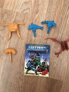 Lot of Vintage Masters of the Universe MOTU He-Man Accessories And Booklet 1981