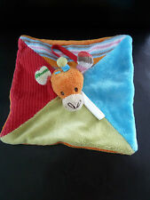 38/ DOUDOU PLAT HAPPY HORSE - GIRAFE - rouge bleu vert tricot -  lire svp