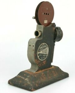 Vintage - Construments London RAY 9.5 CINE PROJECTOR Hand crank No light source