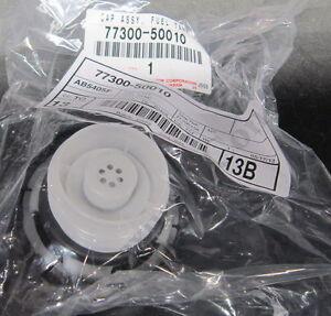 GENUINE LEXUS LS 430 2001-2006 ORIGINAL FUEL CAP ASSEMBLY OEM BRAND NEW