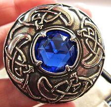 vintage motif Signé MIRACLE CELTIQUE zoomorphe KILT verre bleu Broche châle