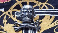 Tête de mort Empire Allemand WW1  ( Fixation pin's ) ( 1914-1918 )