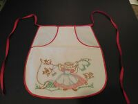Vintage Half Apron Embroidered with Large Pocket for Clothes Pins Laundry Scene