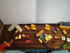 M01-MATCHBOX RAILWAY LAYOUT INCLUDING TRACK,SHUNTERS,CONTAINER TRUCKS AND MORE