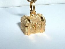 14k YELLOW GOLD 3D TREASURE CHEST CHARM opens