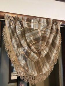 Liz Claiborne Lisette Stripe Waterfall Valance 42 W x 37 L Pure Gold Multi