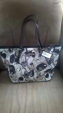 Nine West Purse NWT Shoulder Bag Black/Wh/ Beige Flower Zipper Top Spring Bag