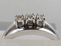 Kleiner Damen Ring 585 Weißgold 14 K mit 3 Brillanten 0,16 ct. Si / W-lgW Gr. 46