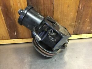 Mercedes Benz w108 • Power Steering Pump & Reservoir #116 460 0183. Used.   M271