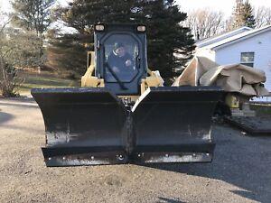 """BOBCAT 72"""" V SNOW PLOW BLADE ATTACHMENT Bobcat Skid Steer Loader 6' WING"""