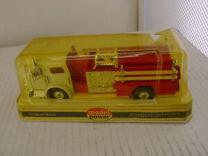 MODEL POWER PLAYART 1:48 RED W/WHITE AMERICAN LA FRANCE PUMPER FIRE ENGINE TRUCK