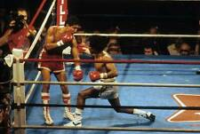 Old Boxing Photo Lupe Pintor Lands A Right Hook Against Wilfredo Gomez 1